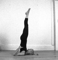 Vela (Sarvangasana) | Yoga Poses | O seu guia de posturas de Yoga