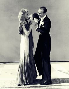 circa American dancers, singers and actors Ginger Rogers and Fred Astaire - rehearse a dance called, 'The Continental' which was featured in the film, 'The Gay Divorcee' (aka 'Gay Divorce'). Both are dressed in formal evening costumes. Golden Age Of Hollywood, Vintage Hollywood, Hollywood Stars, Classic Hollywood, Fred Astaire, Shall We Dance, Just Dance, Fred And Ginger, Partner Dance