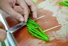 Junge Bohnen für das Gericht vom Borner Weidelamm, Restaurant Namenlos, Ahrenshoop