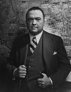 Edgar Hoover 1957 by Yousuf Karsh Great Photographers, Portrait Photographers, Portraits, Popular People, Famous People, Roaring Twenties, The Twenties, Winston Churchill, Great Man Theory