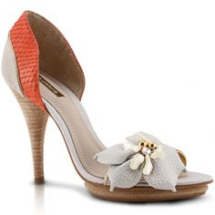 22e2b2f9c Dumond-If I could find classy shoes like these, preferably slingbacks, and  with a lower heel for comfort ;