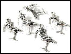 Breloques oiseaux - UNE HISTOIRE DE MODE Charmed, Animals, Diy, Fashion, Pendant, Creative Crafts, Fashion Styles, Moda, Animaux