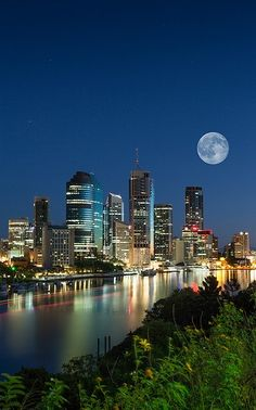 #AustraliaItsBig - Pre-dawn Brisbane City, AUSTRALIA