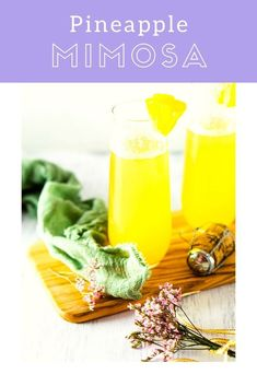Searching for different mimosa ideas? You'll love this tropical pineapple mimosa. This super easy mimosa recipe will be a new favorite for your brunch parties. #pineapplemimosa #mimosaideas #easymimosarecipe #mimosarecipe #uniquemimosas #mothersdaybrunch #mothersdaycocktails Healthy Cocktails, Wine Cocktails, Easy Cocktails, Yummy Drinks, Cocktail Recipes For A Crowd, Food For A Crowd, Sangria Recipes, Margarita Recipes, Pineapple Mimosa Recipe