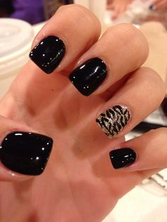 White manicure is one of the indicators of solemnity, festivity, refinement and delicate elegance. No wonder that this c Leopard Nails, Pink Nails, Gel Nails, Black Shellac Nails, Fall Toe Nails, Shellac Manicure, Nail Polish, Fabulous Nails, Gorgeous Nails