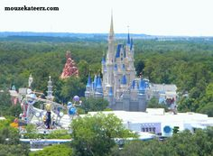 Cinderella Castle, Disney World Castle, Disney Princess Castle, vacation for Disney Moms Disney World Castle, Disney Cinderella Castle, Disney Castles, Disney Resorts, Disney World Vacation, Disney Trips, Walt Disney World Orlando, Disney Parks, Disney Love