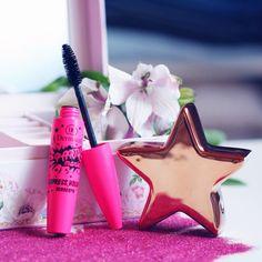 Hledáte objemovou řasenku, která dodá řasám bohatý objem, perfektně je vykreslí a rozčeše? Vyzkoušejte řasenku PARTY MANIA MASCARA! Objemový kartáček zajistí precizně oddělené a krásné řasy po celý den . #Dermacol_CZ_SK #Dermacol #Dermacolcosmetics #partymaniamascara #mascara #makeup #cosmetics #pink #beauty #DermacolCZSK  #DermacolOfficial http://www.dermacol.cz/produkt/volume-mania-mascara-black-cz-2229-a/