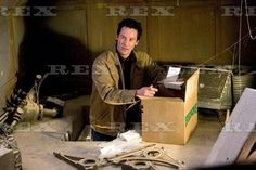 Keanu Reeves in The Lake House Go To Movies, Movies And Tv Shows, Keeanu Reeves, Keanu Reeves Quotes, Haus Am See, River Phoenix, Marry You, Love You, My Love
