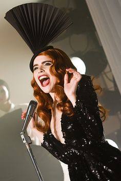 Paloma Faith Do You Want The Truth Or Something Beautiful music video was directed by Chris Sweeney with artistic choreography by Natricia Bernard. Paloma Faith Hair, Eccentric Style, Favourite Festival, Female Singers, Something Beautiful, Girl Crushes, Redheads, Style Icons, Red Hair