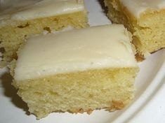 White Texas Sheet Cake- I used rumchatta instead of the almond extract! White Sheet Cakes, White Texas Sheet Cake, Breakfast Dessert, Dessert For Dinner, Just Desserts, Dessert Recipes, Cupcake Recipes, Lemon Cake Mixes, Sheet Cake Recipes