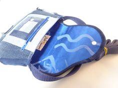 Naehtissimo/Nähtissimo - Naehtissimo, persönliche Geschenke/Unikate, Handgemacht mit viel Liebe, Einzelstück, Jeans Recycling, total ausgefranst, Taschen, Kosmetiktaschen, Portemonnaie, Necessaire, Schlüsselboard, Minions Jeans Recycling, Minions, Gym Bag, Bags, Artificial Leather, Love, Taschen, Presents, Handbags