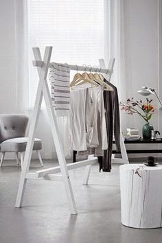 48 Creative DIY Clothes Rack Design Ideas - Page 14 of 47 - Best Home Decorating Ideas Diy Clothes Rack, Clothes Rail, Wooden Clothes Rack, Hanging Clothes, Clothes Stand, Clothing Racks, Clothing Swap, Clothing Stores, Clothes Horse