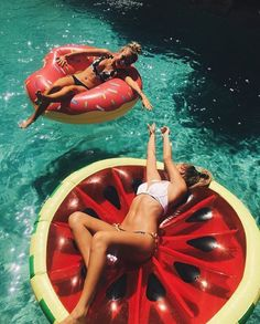 I guarantee you, if this was me and my bestie, I would be on the doughnut :)