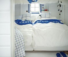 Set sail towards a good night's sleep with LISEL coordinating textiles.