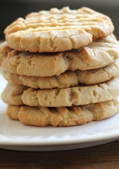 You only need 4 ingredients for these so easy peanut butter cookies   Print So Easy Peanut Butter Cookies Ingredients 1 box yellow cake mix 2 eggs 1/2 cup oil 1 cup peanut butter Instructions Combine all ingredients Spoon on lightly greased cookie she