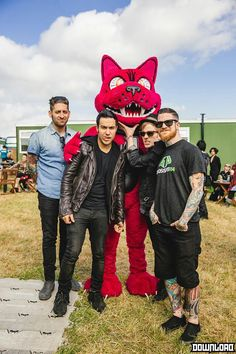 "I love how Patrick and Pete are so into this then joe's just like ""yup i'm in a band with these nerds"""