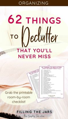 What a great checklist of things to declutter! This made getting the clutter and junk out of my house so fast and easy! I always feel like I dont know where to start and this printable list of decluttering ideas was exactly what I needed. Declutter Home, Declutter Your Life, Organizing Your Home, Declutter Bedroom, House Cleaning Tips, Spring Cleaning, Cleaning Hacks, Clutter Control, Clutter Free Home