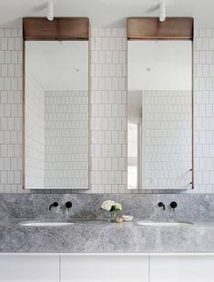 17 Fresh & Inspiring Bathroom Mirror Ideas to Shake Up Your Morning Lipstick Routine