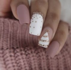 Gabby Morris on more Christmas nails (I promise not Cute Acrylic Nails, Acrylic Nail Designs, Cute Nails, Nail Art Designs, Nails Design, Pretty Nails, Cute Christmas Nails, Xmas Nails, Holiday Nails