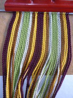 Inkle Loom, Loom Weaving, Sewing Patterns, Crochet Patterns, Tablet Weaving, Crochet Purses, Diy Crochet, Wool Yarn, Crochet Necklace