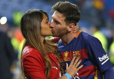 Lionel Messi to marry childhood sweetheart in front of dozens of soccer stars — and 150 journalists #Sport #iNewsPhoto