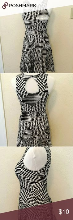 2 for $15! Geometric skater dress- black and white Fitted bust and waist with flared skirt. Super cute and comfortable and has keyhole back. Xhilaration Dresses