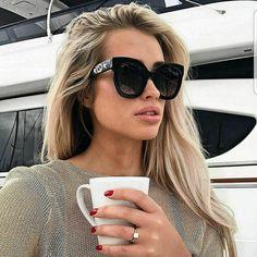 Big Sunglasses, Sunglasses Online, Oversized Sunglasses, Sunnies, 1970s Sunglasses, Trending Sunglasses, Summer Sunglasses, Sunglasses Women Designer, Dior