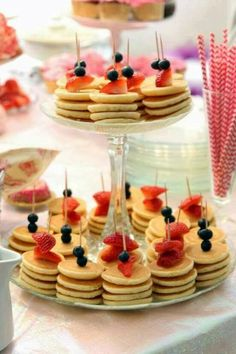 Pancake skewers are the perfect appetizers for a brunch party. - Pancake skewers are the perfect appetizers for a brunch party. Pancake skewers are the perfect appetizers for a brunch party. Wedding Reception Food, Brunch Wedding, Summer Wedding, Wedding Breakfast, Reception Ideas, Buffet Wedding, Food Ideas For Wedding, Unique Wedding Food, Wedding Foods