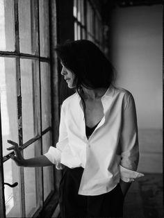 MINIMAL + CLASSIC: Jessie Ware   Perfect white shirt