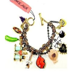Pre-owned Betsey Johnson Charm Toggle Bracelet First Date Marilyn Lips... ($192) ❤ liked on Polyvore featuring jewelry, bracelets, accessories, none, heart charms, dog bracelet, bead bracelet, charm bracelet y beads & charms