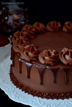Easy Chocolate Cake From Scratch Beattys Chocolate Cake, Chocolate Cake Designs, Chocolate Cake From Scratch, Cake Decorating Designs, Creative Cake Decorating, Creative Cakes, Mexican Dessert Recipes, Easy Cake Recipes, Buttercream Cake