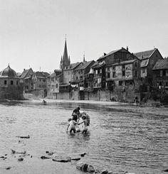 "Perlmutter said that, during his journies, he took photos of the ""fascinating...Bad Kreuznach after WWII"