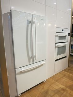 Designing for privacy 14 discreet uses for frosted glass for Jenn air floating glass refrigerator