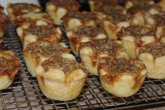 Mennonite Girls Can Cook: Butter Tarts. a pinner states a tablespoon or 2 of half and half will stop tarts from boiling over the edge. Amish Recipes, Tart Recipes, Baking Recipes, Cookie Recipes, Dessert Recipes, Yummy Recipes, Baking Pies, Yummy Yummy, Dessert Ideas