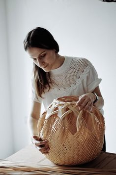 Louise Tucker in Specialist, Interior Design Ideas. Flax Weaving, Basket Weaving, Hand Weaving, Baskets On Wall, Wicker Baskets, The Light Is Coming, Basket Crafts, Textile Sculpture, Bamboo Crafts