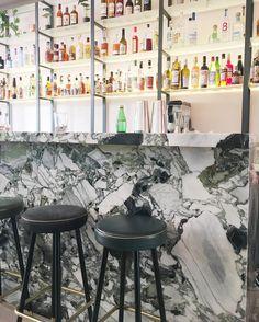 Coup de coeur pour le nouveau bar à cocktails @bar_bisou : produits français et de saison  Cocktails délicieux et mini carte à grignoter parfaite  #pariscityguide #cocktailbar #ailleursisbetter