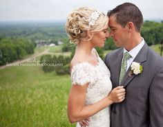Crystal mountain wedding. Wedding photography inspiration. Outdoor wedding. Bride and groom. Wedding portraits. Mountain wedding photography.