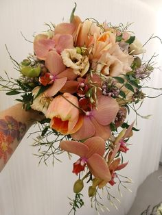 Flower Studio, Floral Wreath, Wreaths, Table Decorations, Party, Flowers, Wedding, Furniture, Home Decor