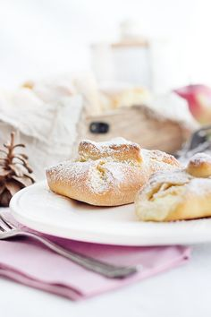Topfengolatschen – an Austrian classic made from quark oil dough. Great as a snack or afternoon coffee. Austrian Recipes, Austrian Food, Cake & Co, Pastry Cake, Love Food, Sweet Recipes, Baking Recipes, Sweet Tooth, Bakery