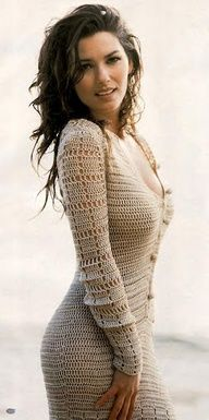 Beautiful crochet sweater dress on Shania Twain Beauty And Fashion, Look Fashion, Beautiful People, Beautiful Women, Mode Crochet, Sr1, Crochet Clothes, Crochet Dresses, Knit Dress