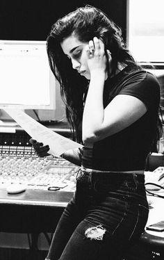 #wattpad #fanfic Lauren G!p. Cara G!p Lauren y Cara siempre han sido mujeriegas hasta que sus padres deciden irse a vivir en Los Ángeles. Ellas no creen en el amor, pero que pasara cuando conozcan a Camila y a Kendall, toda su vida cambiara de manera inesperada. Camila y Kendall, tienen todo lo que cualquier chic...