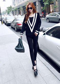 Women's Deep V-Neck Loose Sweater - http://www.vudress.com/
