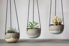 Small plant hanger turquoise and grey. Cactus, succulent, plant pot Small plant hanger turquoise and grey. Indoor Plant Pots, Indoor Planters, Hanging Planters, Potted Plants, Indoor Herbs, Indoor Gardening, Air Plants, Cactus Plants, Concrete Crafts