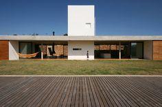 Una Arquitetos — House in Joanópolis — Image 12 of 27 — Europaconcorsi