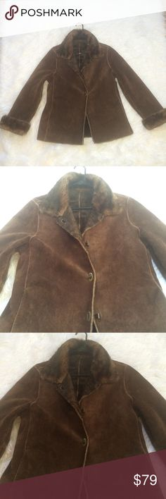 GENUINE💗LEATHER SUEDE JACKET COAT LARGE TOGGLE💗 CUTE BROWN SUEDE GENUINE LEATHER JACKET COAT LARGE. This Cost $275❤️QUALITY MADE VINTAGE COAT JACKET. SOFT Comfortable faux fur lining. UNIQUE TOGGLES CLOSURE. &PRETTY BROWN. ❤️EXCELLENT CONDITION,LIKE NEW. ❤️SAVE $200 at this price!! Large,pockets,zipper,toggles.length. women's large.  Model picture for styling purposes only!!NOT SAME COAT. Tag:maxi long full length knee length fit and flare fit n flare princess warm fall winter 3/4 length…
