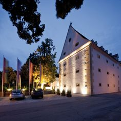 Hotel, Kurse buchen unter www.akademie-geras.at Chor, Opera House, Building, Travel, Gera, Culture, Art, Voyage, Buildings