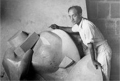 Isamu Naguchi my favorite sculptor Constantin Brancusi, Isamu Noguchi, New York Museums, Henry Moore, Japanese American, Long Island City, Stage Set, Portraits, Beautiful One
