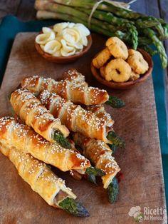 Ricetta asparagi in pasta sfoglia Carrots, Vegetables, Food, Carrot, Veggies, Vegetable Recipes, Meals, Yemek, Eten