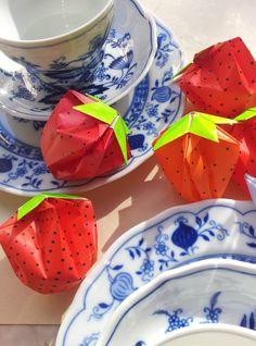 Idee Nummer zwei unserer Erdbeerwoche: Hübsche Origami-Erdbeeren.