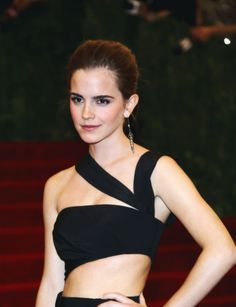 """"""" Emma Watson at the """"PUNK: Chaos to Couture"""" Costume Institute Gala in New York City (May """" Emma Watson Daily, Ema Watson, Emma Watson Style, Emma Watson Body, Emma Love, Emma Watson Beautiful, Emma Watson Sexiest, British Actresses, Hollywood Actresses"""